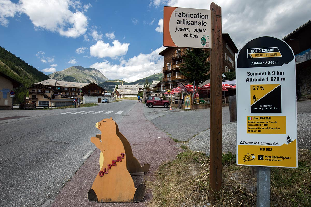 Route du Col d'Izoard, village de La Chalp, entre Brunissard et Arvieux - Queyras, Hautes-Alpes