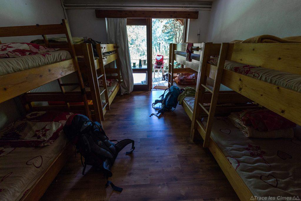 Chambre dortoir Gîte d'étape La Teppio à La Chalp, sur le Tour du Queyras GR 58, Hautes-Alpes