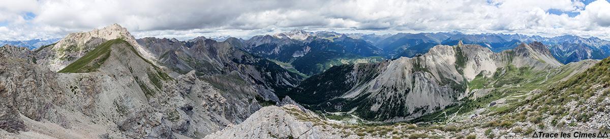 Vue panoramique sur le Nord du Queyras depuis le sommet du Pic du Gazon, Hautes-Alpes