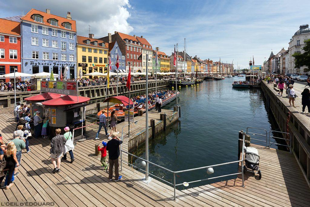 Nyhavn Copenhague Danemark - canal, bateaux et façades colorées © L'Oeil d'Édouard