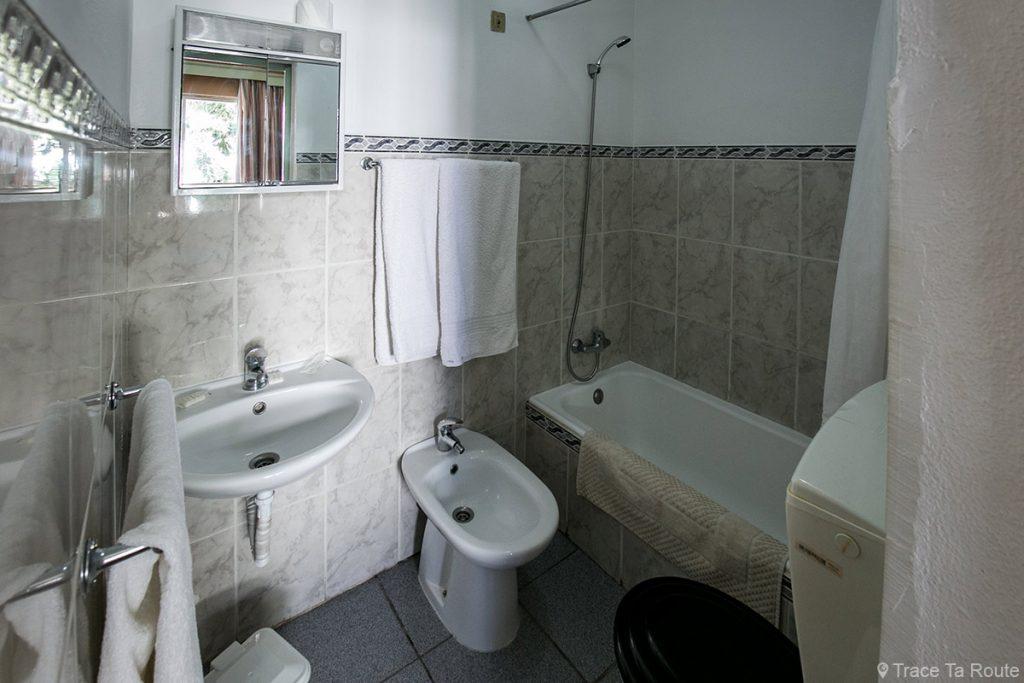 Salle de bain chambre Hotel Residencial Monaco - Funchal, Madère