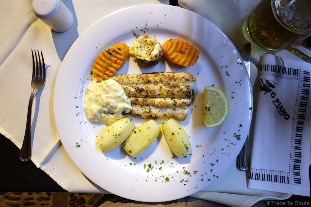 Filet de Sabre noir (Espada ; Scabbard fish) au restaurant O Piano - Rua de Santa Maria, Zona Velha, Funchal, Madère