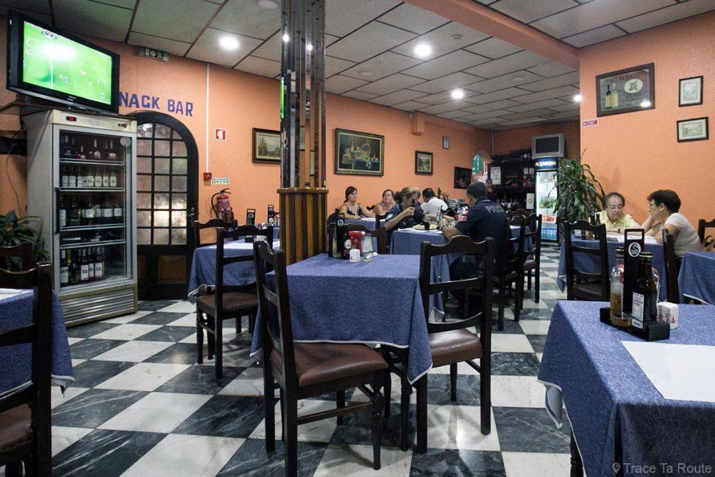 Hôtel Restaurant Sirius - Rua das Hortas, Zona Velha, Funchal, Madère