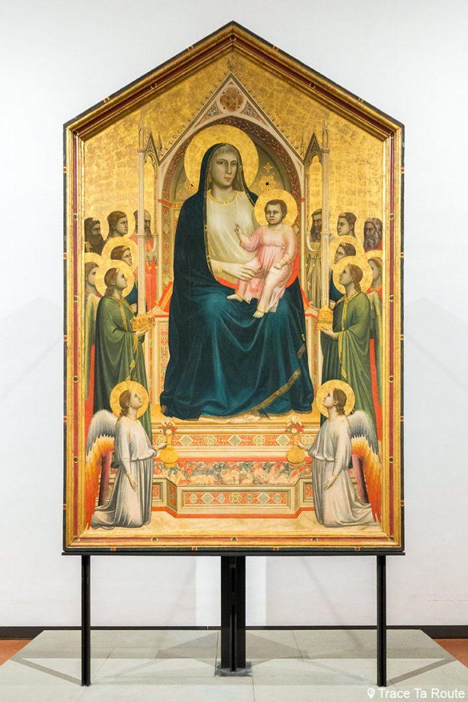 """Vierge à l'Enfant sur le trône avec anges et saints """"Ognissanti Maestà"""" (1306-1310) GIOTTO - Musée de la Galerie des Offices de Florence (Galleria degli Uffizi di Firenze)"""