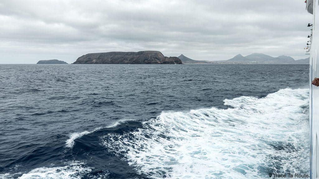 Île de Porto Santo depuis le bateau ferry Porto Santo line, Madère / Madeira