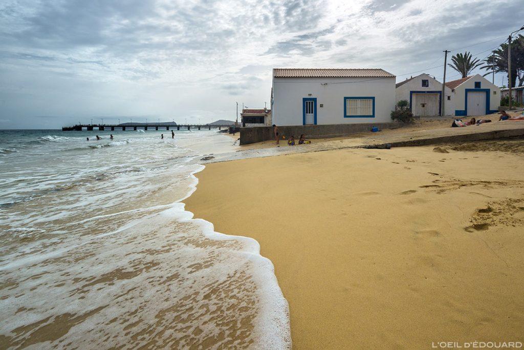 Plage de Vila Baleira sur l'Île de Porto Santo praia, Madère / Beach Madeira Islands