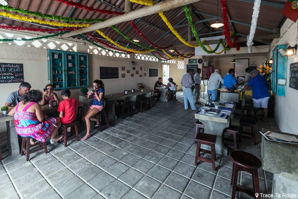 Bar snack Mercado Velho de Vila Baleira, Île de Porto Santo, Madère / Madeira