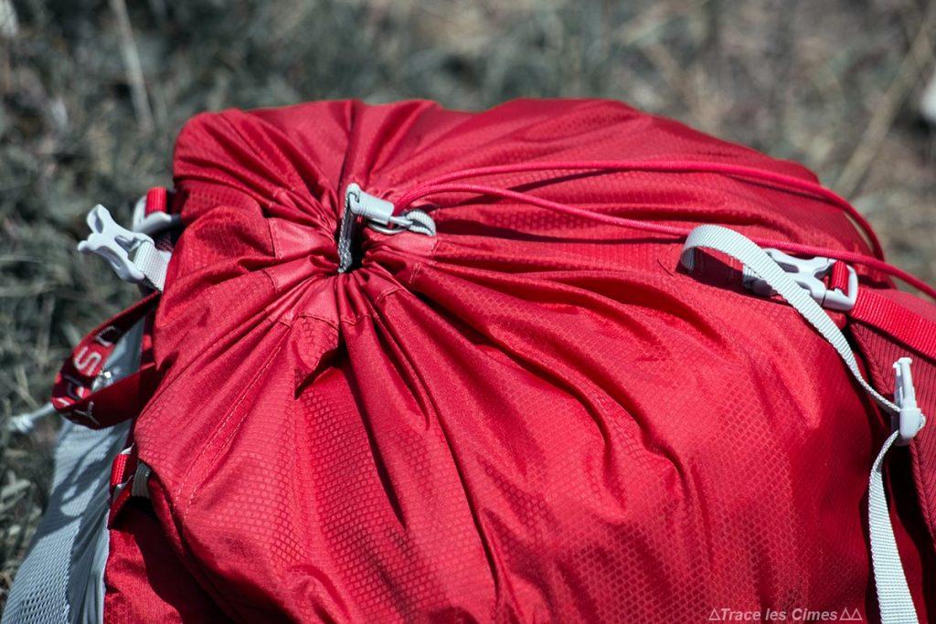 Test Sac à dos Osprey Talon 44 litres : cordon serrage fermeture