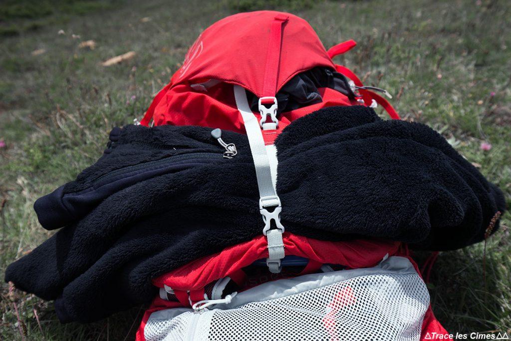Test Sac à dos Osprey Talon 44 litres : sangle serrage fermeture supérieure pour corde