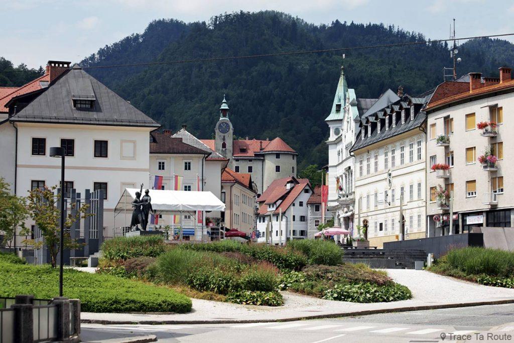 Ville de Idrija en Slovénie - Slovenia / Slovenija