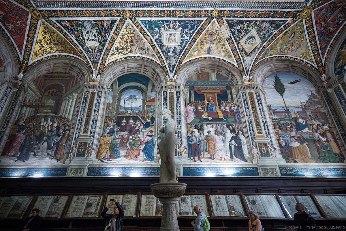 Libreria Piccolomini à l'intérieur de la Cathédrale de Sienne - Duomo di Siena (Santa Maria Assunta) : Fresques de Pinturricchio affreschi