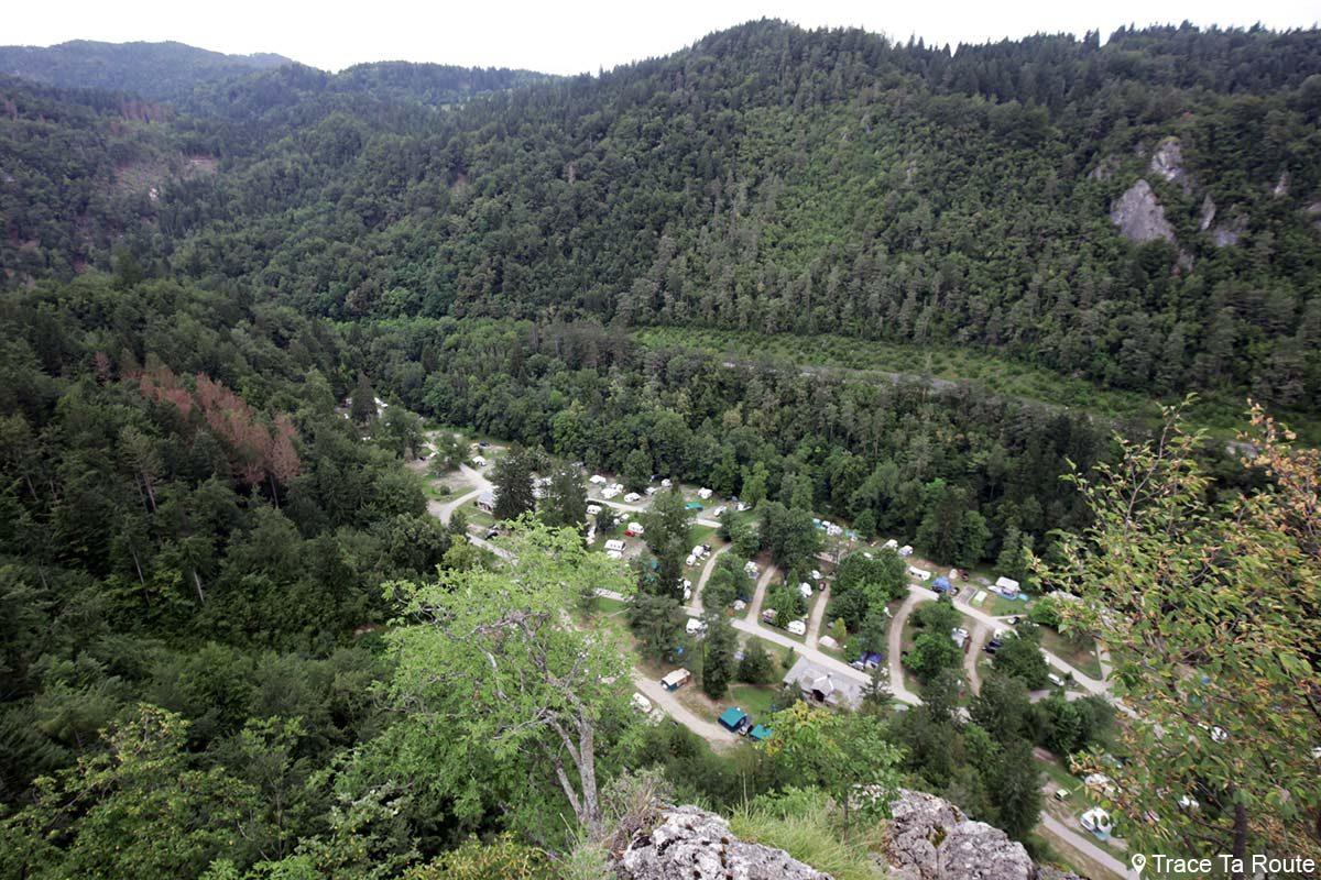 Camping de Bled depuis la randonnée à Ojstrica, Slovénie - Blejsko jezero, hiking Slovenia Slovenija