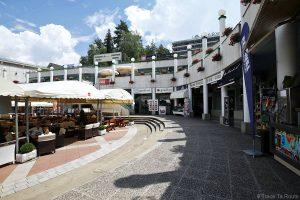 Restaurants de Bled, place de Ljubljanska cesta, Slovénie (Slovénia / Slovenija)