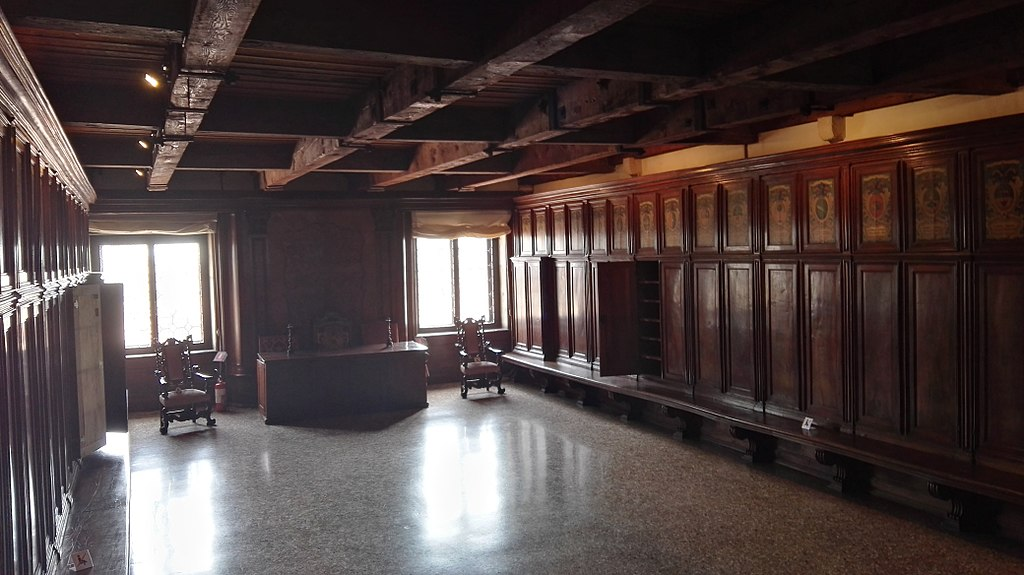 Salle intérieur du Palais des Doges de Venise © Z thomas