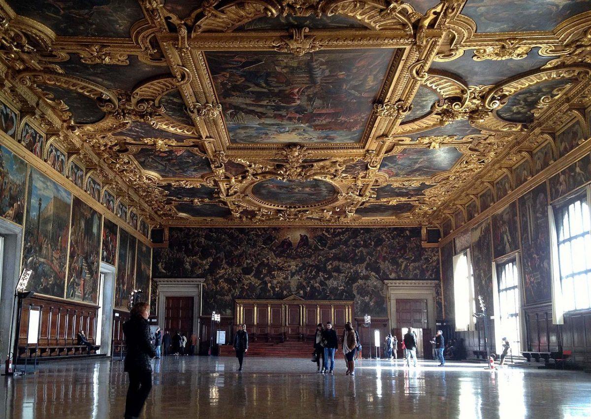 Intérieur salle du Grand Conseil du Palais des Doges de Venise © Riccardo Lelli