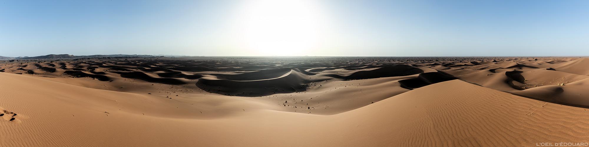 Coucher de soleil sur les dunes du désert du Maroc