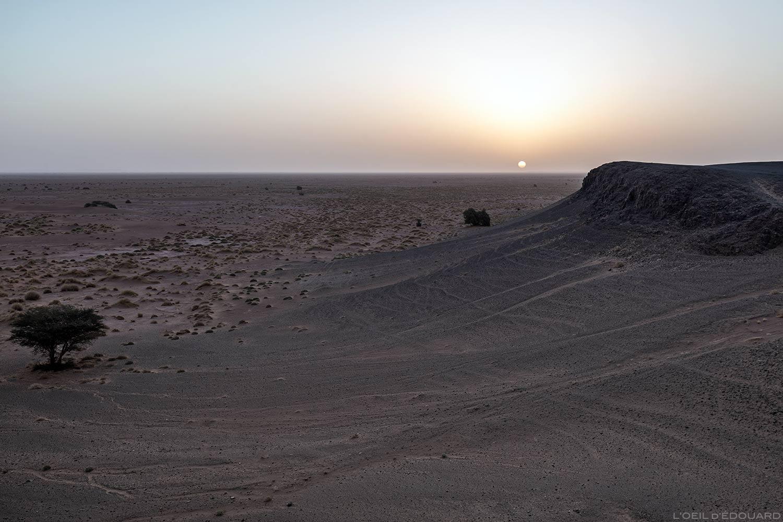 Lever de soleil sur le désert du Maroc