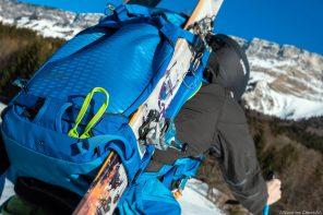 Test Sac à dos ski de randonnée Osprey Kamber 32 litres : portage des skis latéral