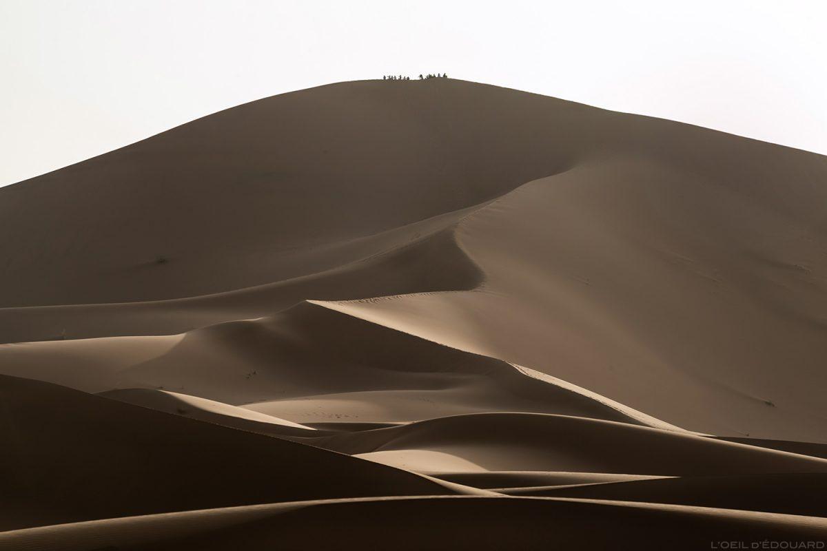 """Dune hurlante """"Erg Zaher"""" dans le Désert du Maroc"""