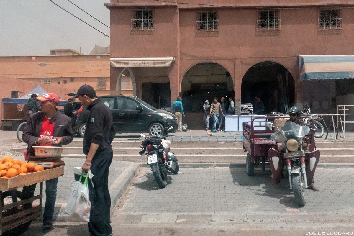 Boutiques dans les rues de Ouarzazate, Maroc