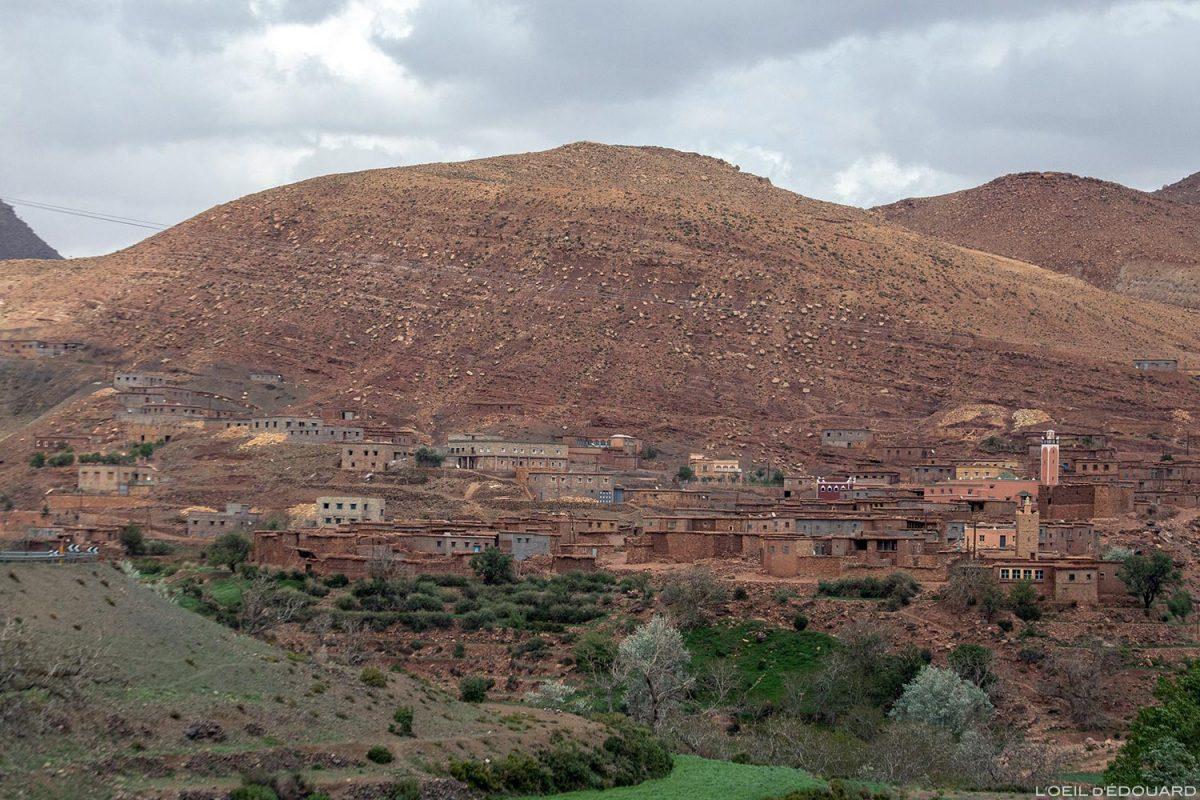 Village marocain de Aguelmouss, Montagne de l'Atlas, Maroc