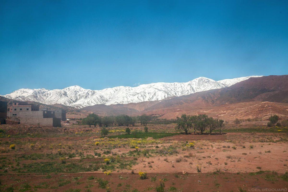 Montagnes enneigées de l'Atlas, Maroc