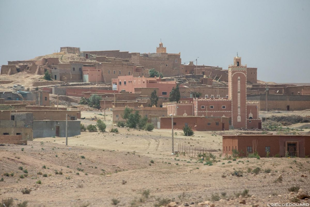 Village dans le désert marocain