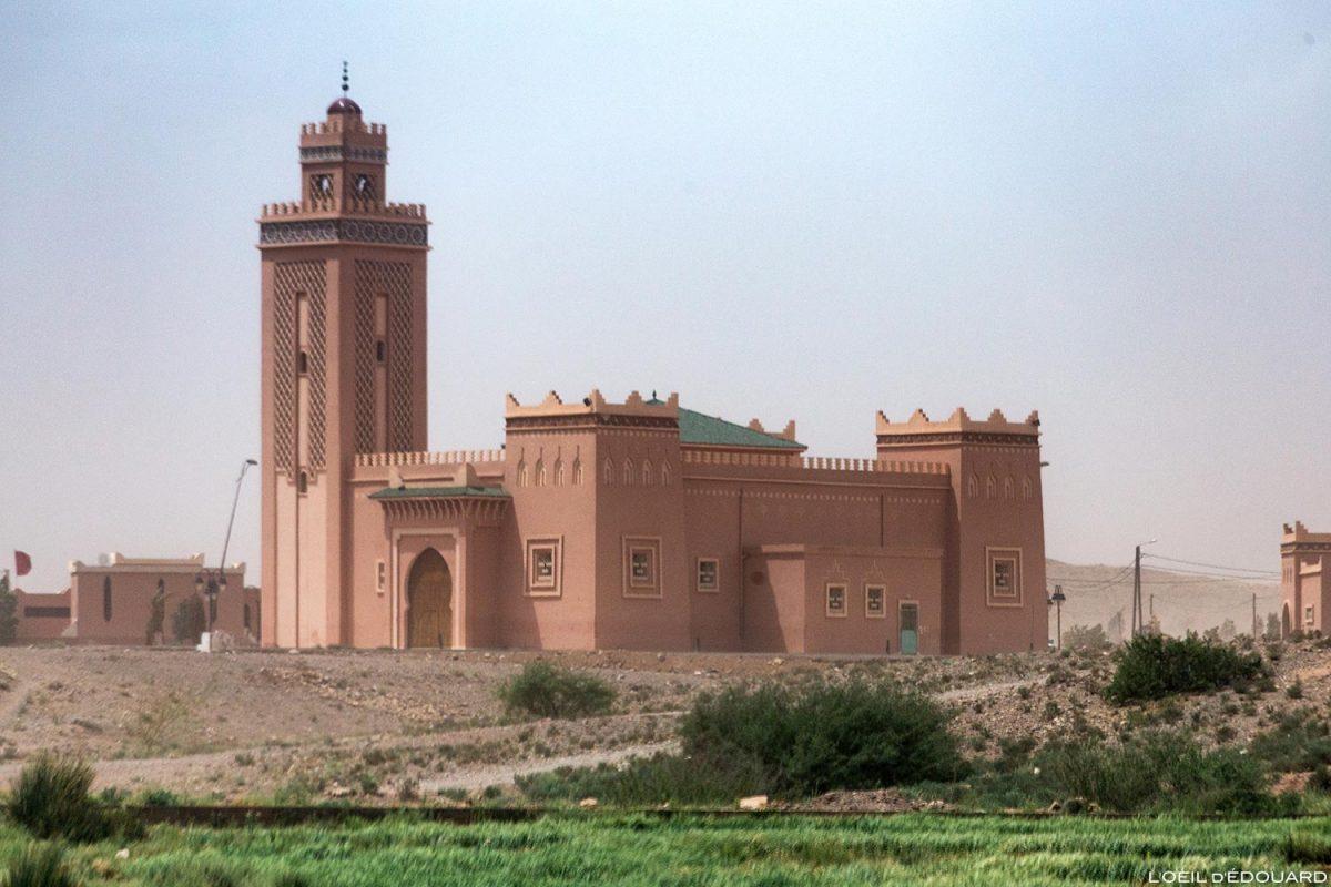 Mosquée dans le désert marocain