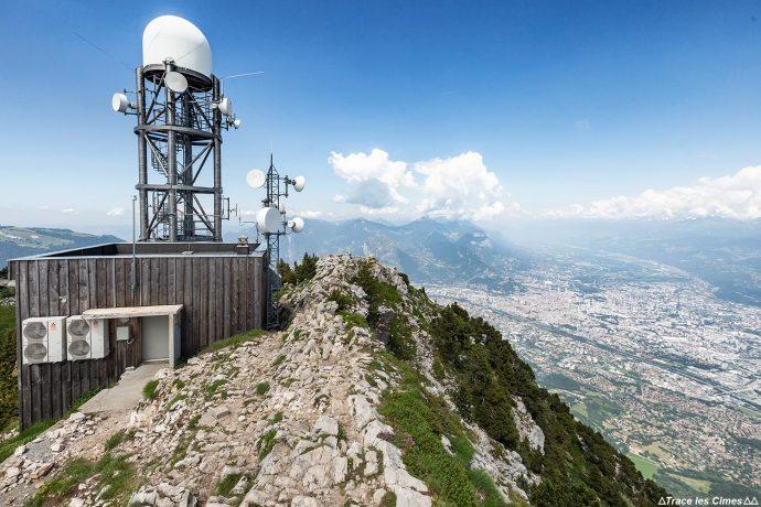 Radar au sommet Le Moucherotte et vue sur Grenoble