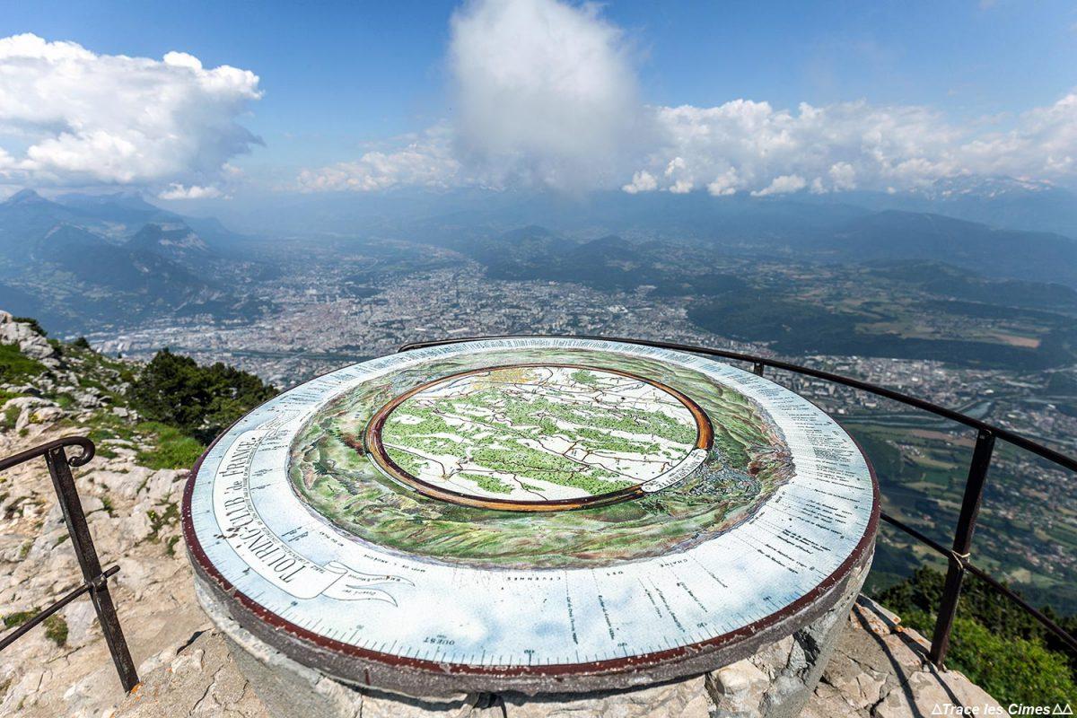 Table d'orientation au sommet Le Moucherotte et vue sur Grenoble