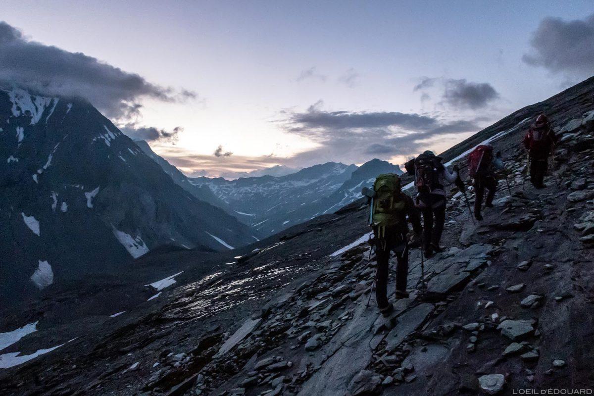 Sentier de randonnée au Col de la Vanoise - marche d'approche au Glacier de la Vanoise le matin