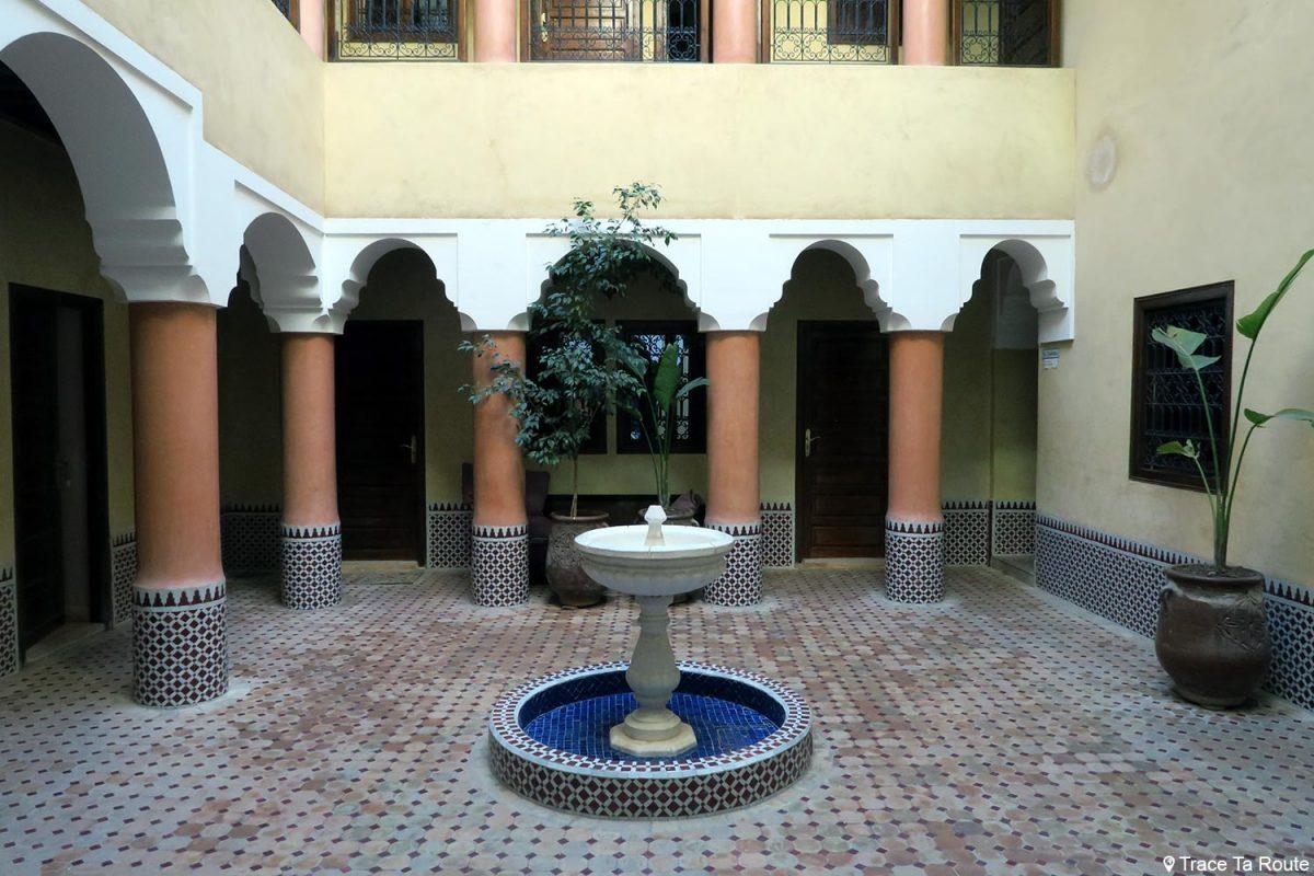 Cour intérieure du l'Hôtel Cecil à Marrakech, Maroc