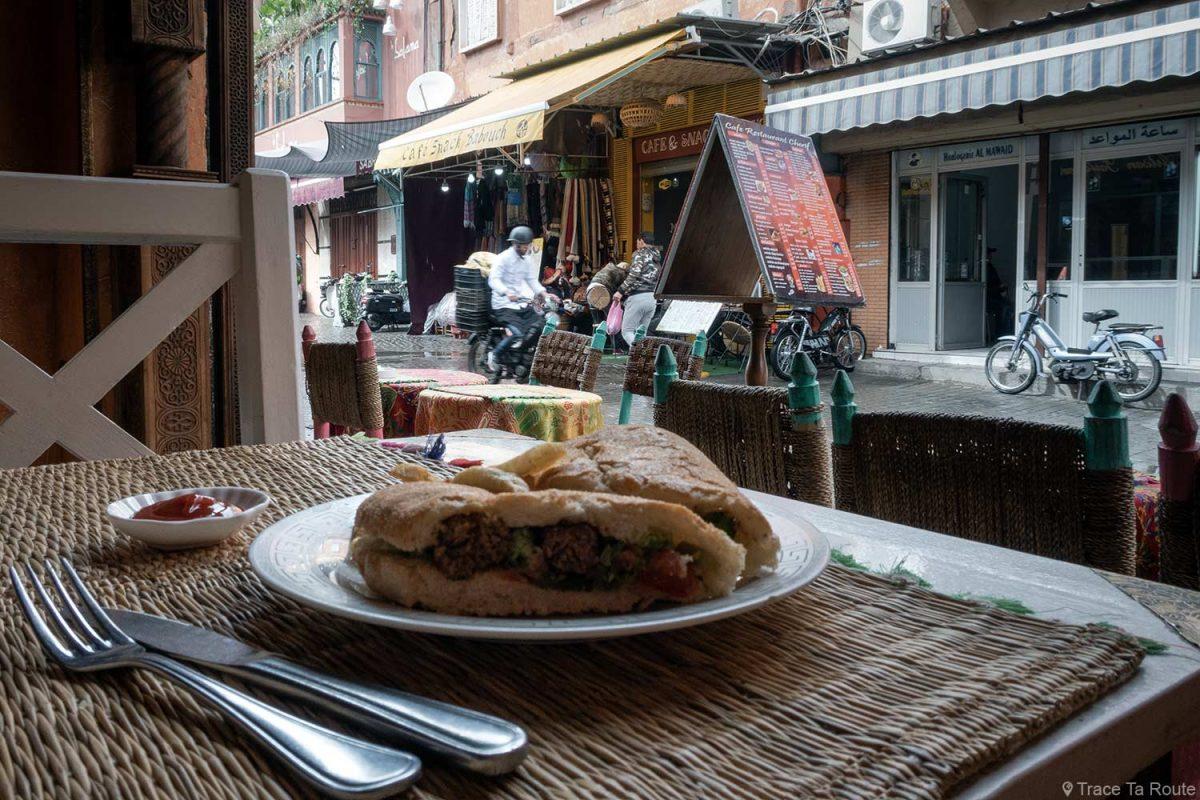 Sandwich Kefta au restaurant Cherif, Marrakech, Maroc