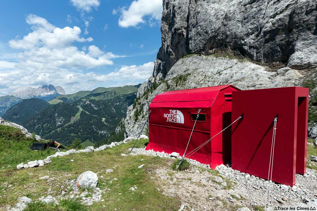 The North Face Pinnacle Project au Bivacco Zeni dans les Dolomites, Italie / Montagna Dolomiti Italia