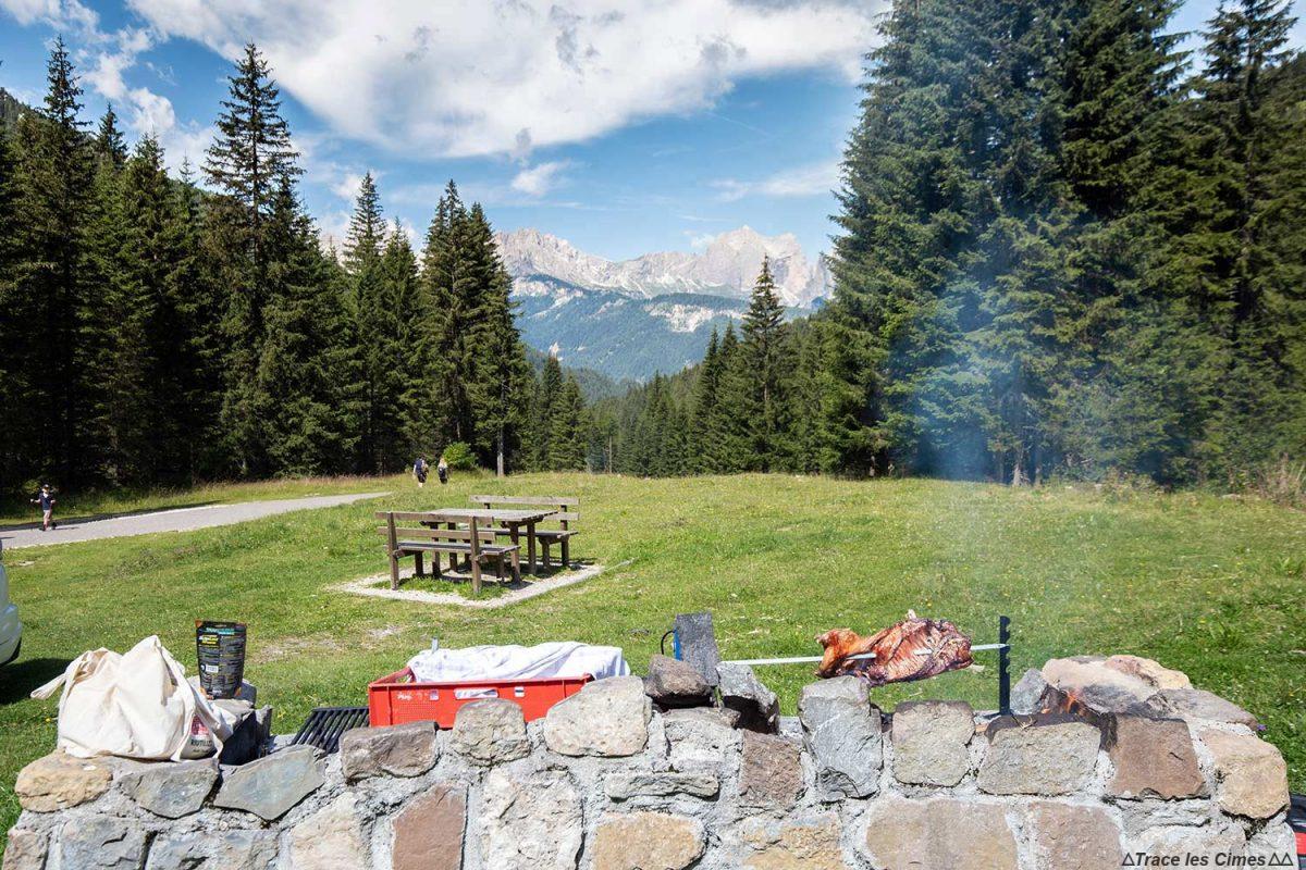 Parc à Val Monzoni dans les Dolomites Italie