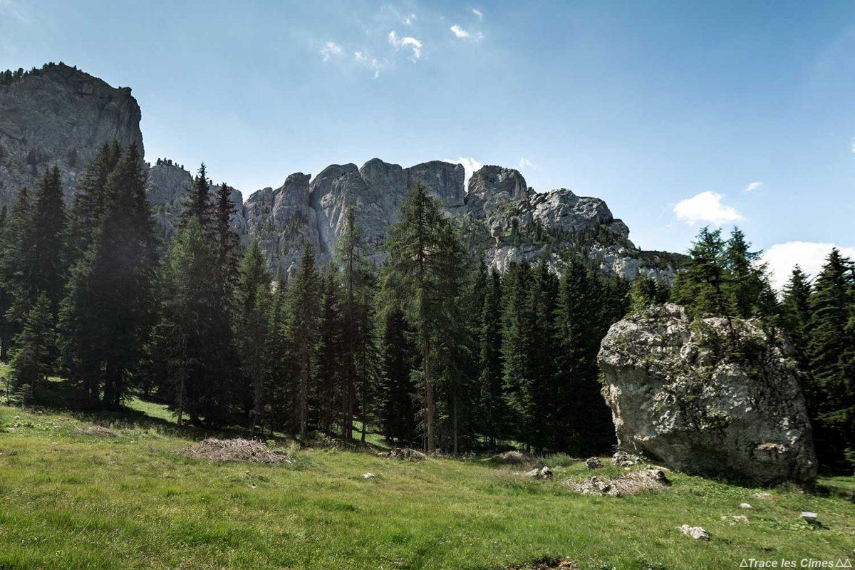 Randonnée à Val Monzoni dans les Dolomites, Italie / Dolomiti Italia