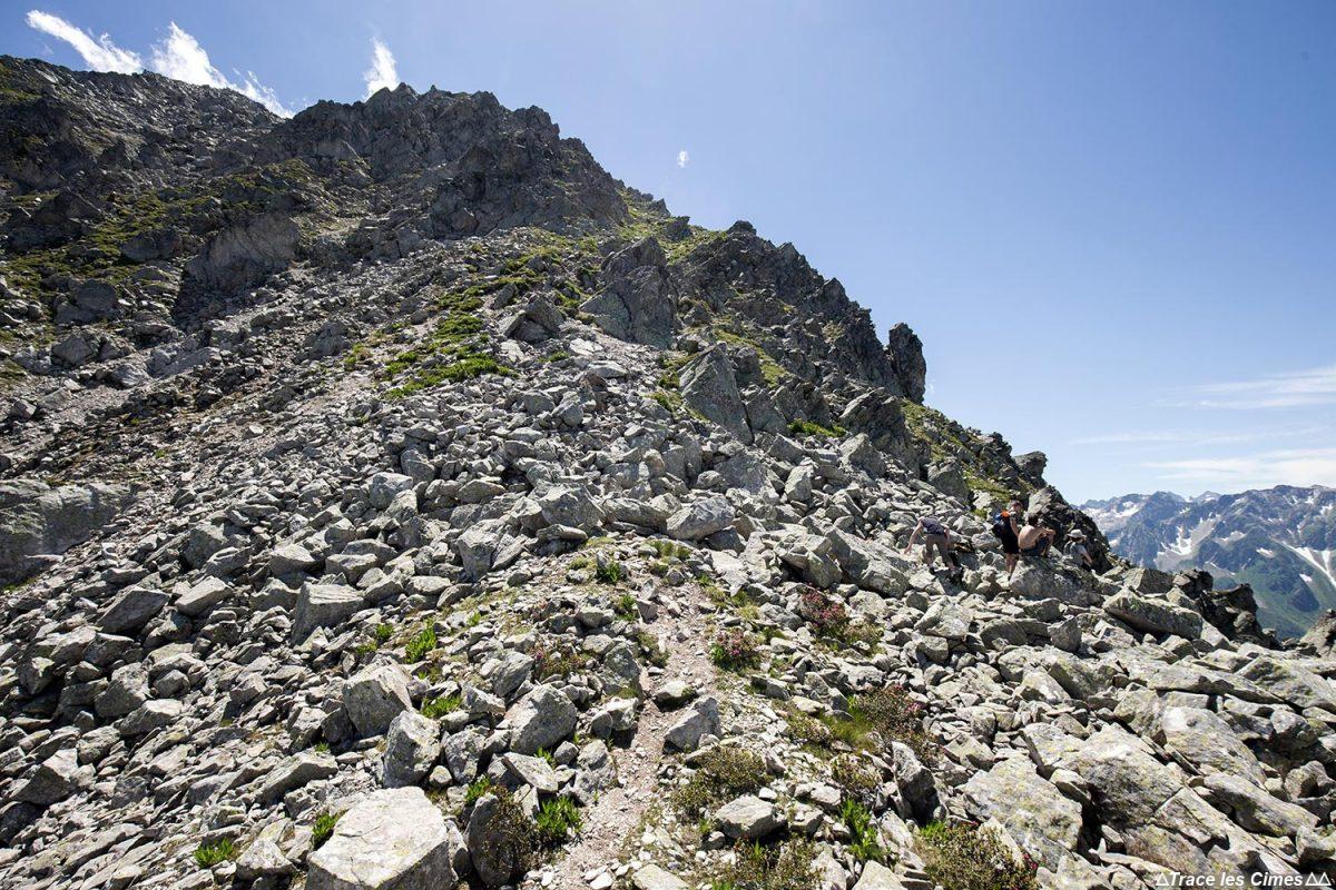 Sentier randonnée aux Grands Moulins par l'arête Nord-Ouest