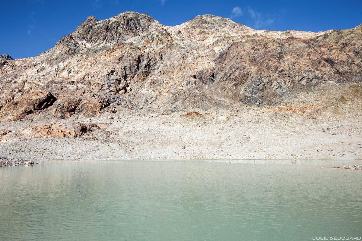 Le Rocher Blanc, lac moraine au pied du Glacier de Saint-Sorlin