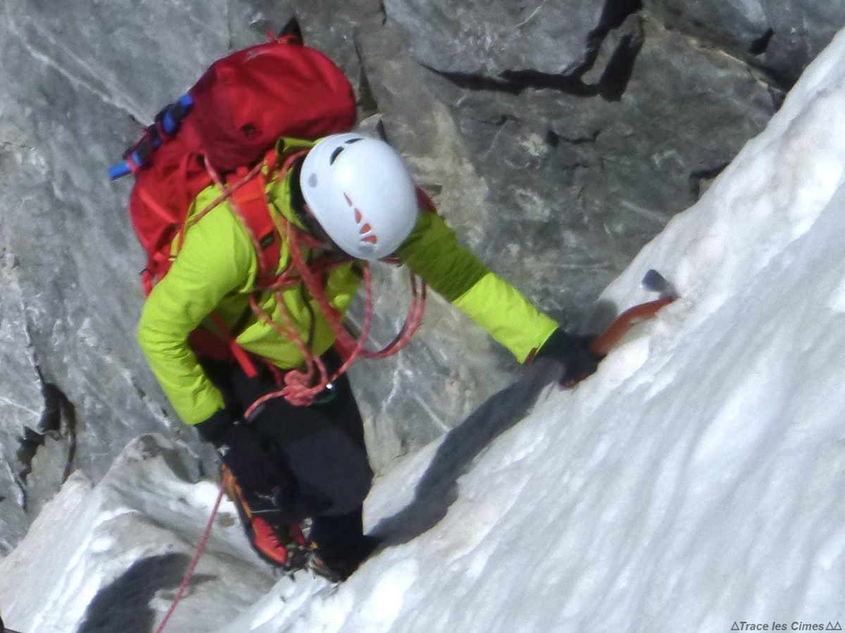 Test Pantalon Alpinisme CimAlp Transalpin : tissu stretch 3D-Flex