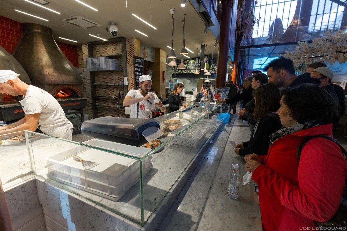 Stand restauration pizzeria Mercato di San Lorenzo de Florence, Italie / Firenze, Italia Italy