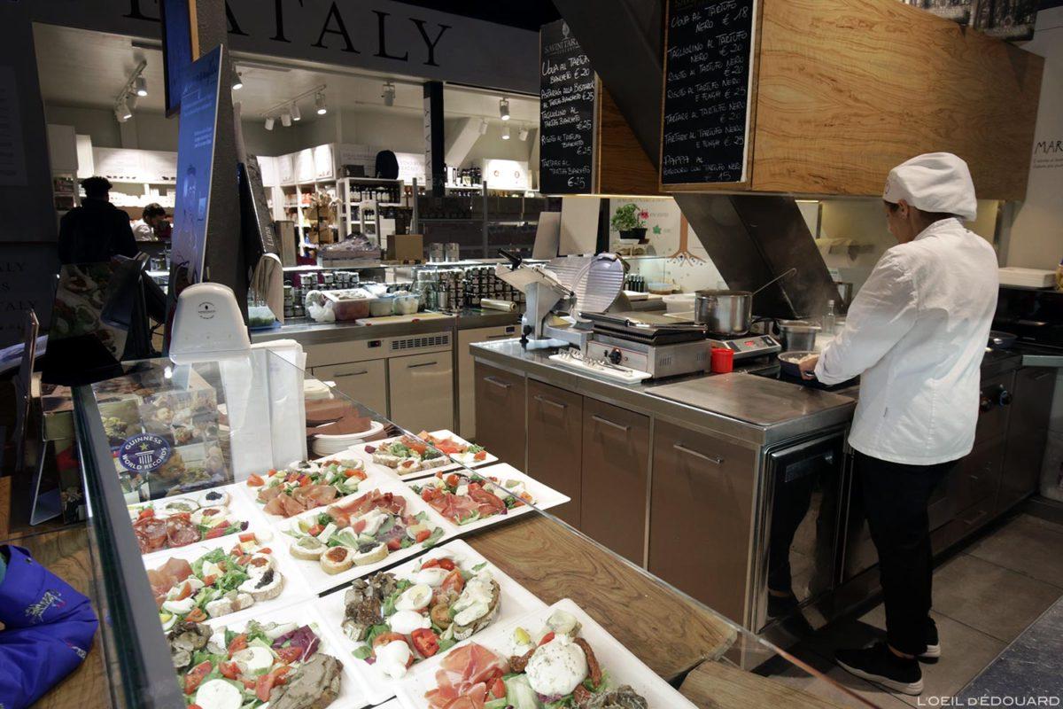 Stand restauration Mercato di San Lorenzo de Florence, Italie / Firenze, Italian Food