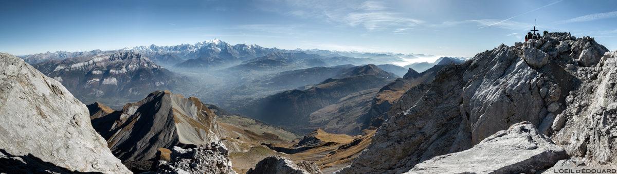 Vue panorama au sommet de La Pointe Percée : le Mont Blanc, Haute-Savoie
