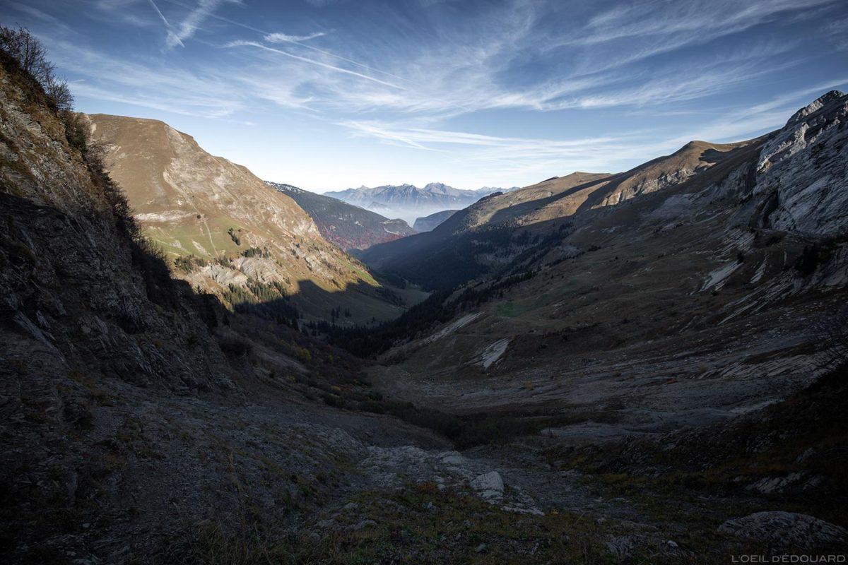 Vallon depuis le Col de l'Oulettaz dans les Aravis / Haute-Savoie, Alpes