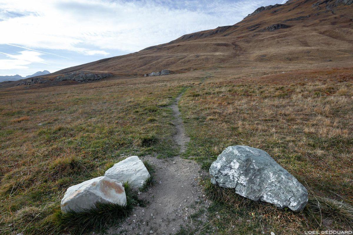 Parking Le Saut - Départ sentier randonnée à l'Aiguille de la Grande Sassière, Alpes Grées Savoie