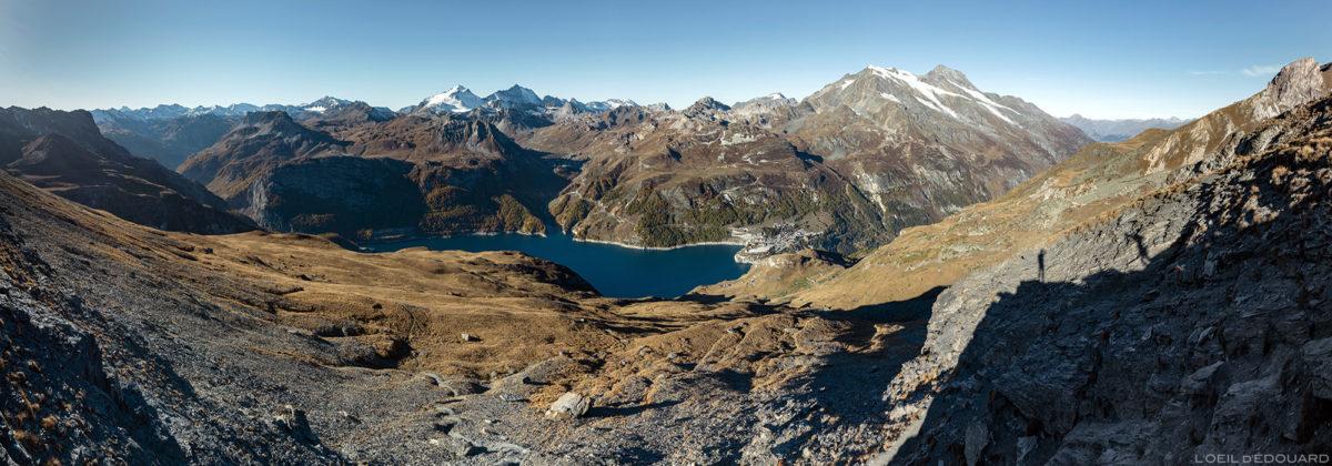 Le Massif de la Vanoise avec le Lac du Chevril, Tignes, le Mont Pourri depuis de l'Aiguille de la Grande Sassière, Alpes Grées Savoie