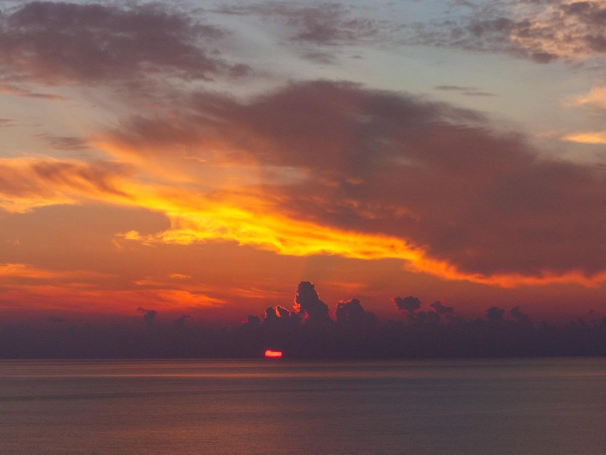 3 jours sur l'île de Cythère: coucher de soleil