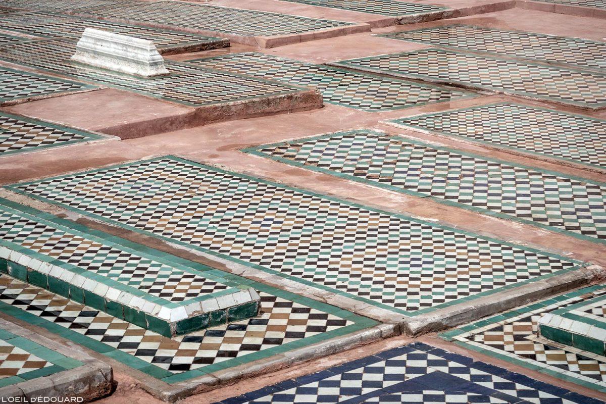 Zelliges sur les tombes Saadiennes à Marrakech, Maroc / Visit Marrakesh Morocco