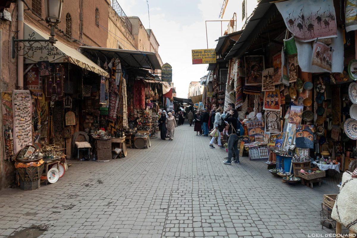 Boutiques dans le Souk de Marrakech, Maroc / Marrakesh Morocco