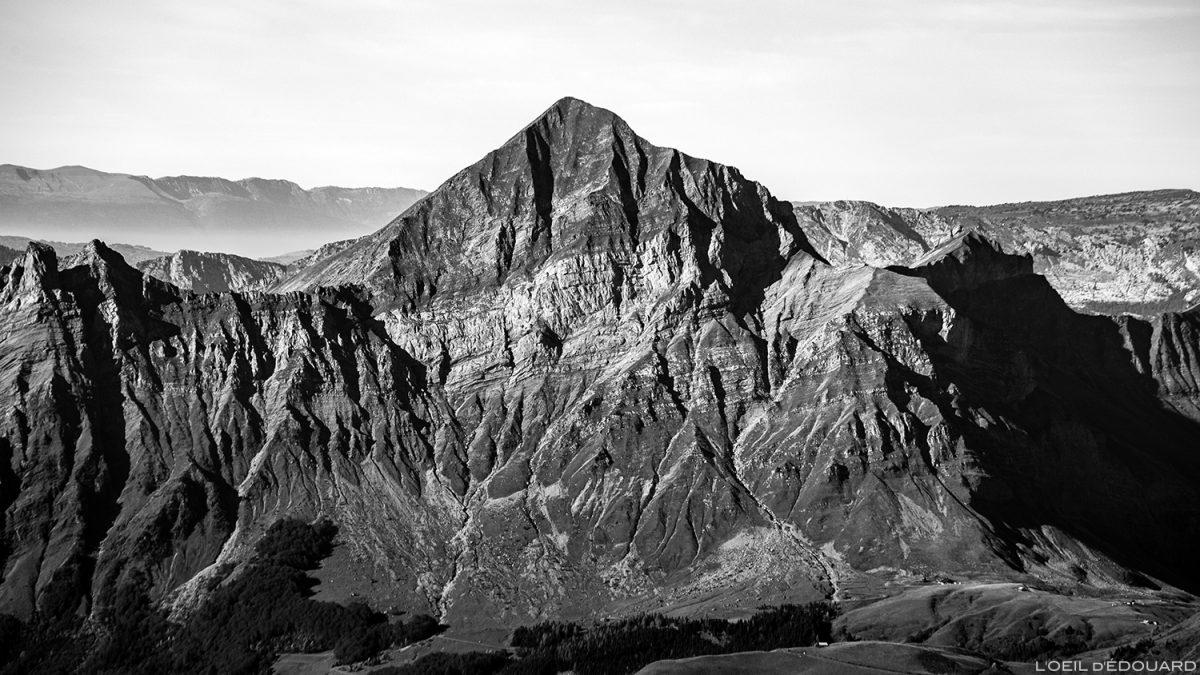 Le Mont Charvin, vu depuis le sommet du Mont Mirantin © L'Oeil d'Édouard - Tous droits réservés
