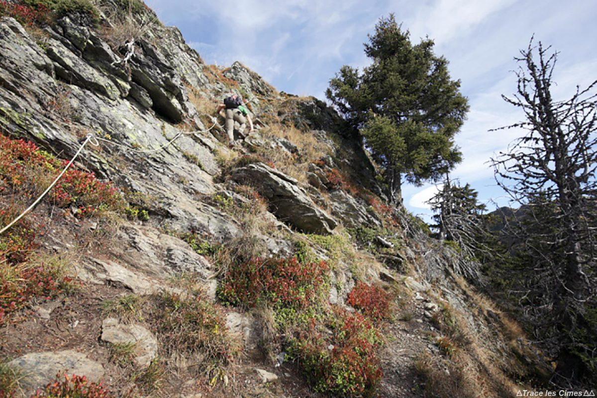 Sentier de randonnée à la Roche Pourrie - Massif du Beaufortain, Savoie